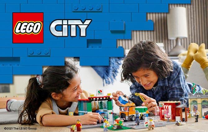 LEGO City es un realista mundo LEGO donde los niños podrán explorar y estimular su creatividad. Vehículos y edificios emblemáticos forman escenarios bulliciosos.
